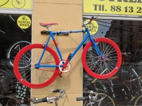 so many cool bikes here!